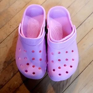 BRAND NEW SPORT PINK CLOGS SIZE 7